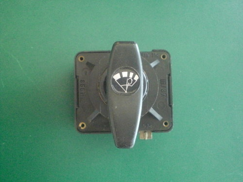 Intervall switch for wash and wiper system   9900847055