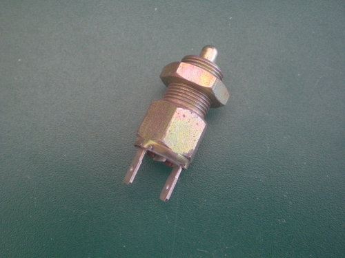 Pressure switch f. back-up lamp   9903001092