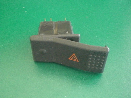 Rocking switch for warning flasher   9903001357