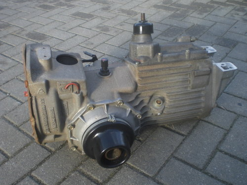 Gearbox B1000 new  104070760-1